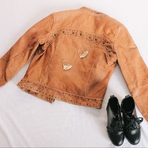Wilson's Leather Jacket w/ beautiful details